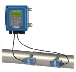 CLAMP TYPE ULTRASONIC FLOWMETER