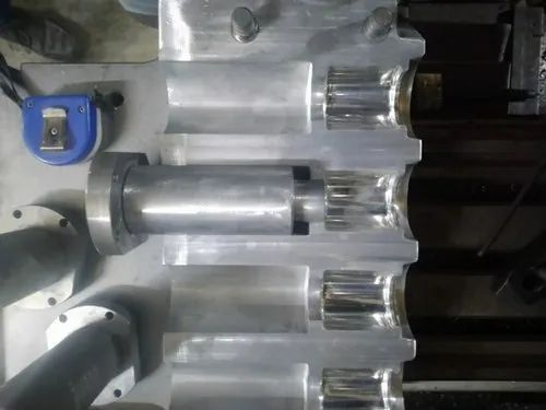HDPE Bottle 12 m Blow Mold, Capacity: 200ml