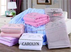 Carolyn Comforter Set