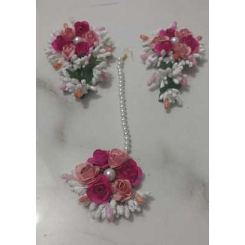 The Hand Krities Pink And Peach Ladies Flower Maang Tikka With