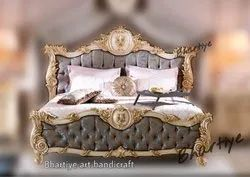 European Wooden Carved Bed Italian Design Bed, Size: 6feet X6.5 Feet