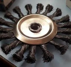 Twist knot circular wire brush