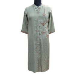 Casual Wear Front Slit Ladies Designer Cotton Kurti, Machine wash