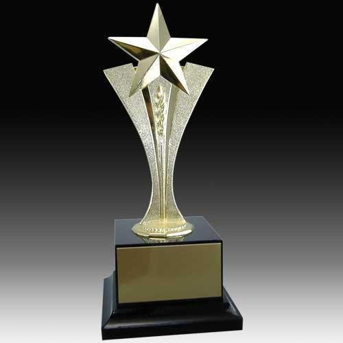 Designer Trophy At Rs 400 Piece