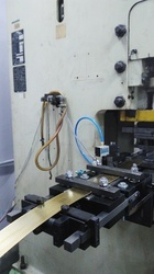 SAI Pneumatic Feeder, Automation Grade: Automatic, 6kg