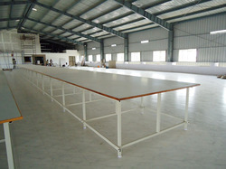 Lay Cutting Table
