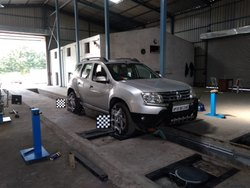 Car Tyre Alignment Repairing Service