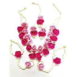Red Flower Design Necklace Set