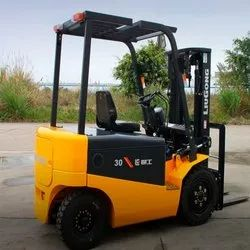 Battery Forklift Rental, Lift Height: 3000 to 5000 MM, Minimum Rental Duration: YEARLY