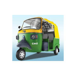 Green And Yellow Piaggio Ape City Smart Cng Auto Rickshaw Rs 170000