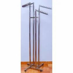 4 Way Shopping Mall Hanger With Wheels