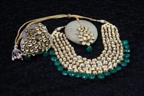 1df2a96fe8a Designer Artificial Kundan And Beads Necklace Set at Rs 8000  piece ...