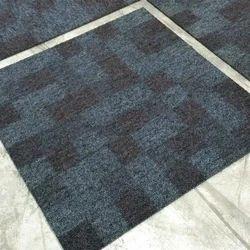 Checkered Floor Carpet, Weight: 700GSM, Size: 2 feet X 2 feet