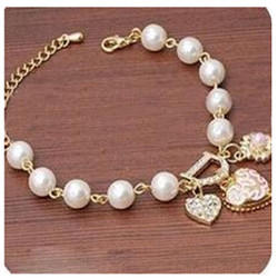 White Women Party Wear Imitation Bracelet, Packaging Type: Box