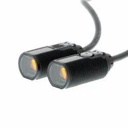 Omron E3FA-TP12 Photoelectric Sensor