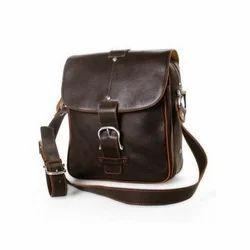 棕色皮革侧袋,包装型:标准,尺寸:10 x 12英寸