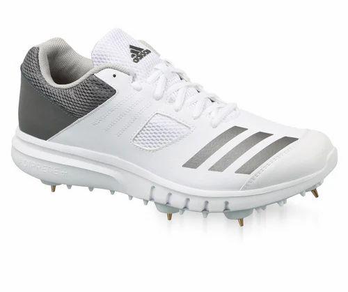 pescado Oceanía emocionante  White Grey Men's Adidas Cricket Howzat Spike Shoes, Size: 7 And 11, Rs 6999  /pair | ID: 18930611912