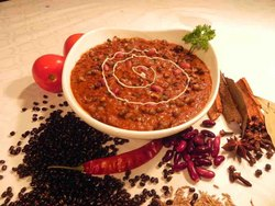 Ready To Eat Authentic Dal Makhni, Packaging Type: Packet