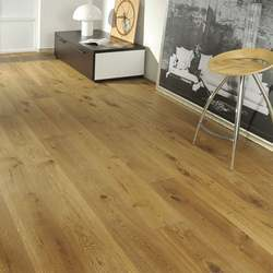 Oak Laminated Wooden Flooring