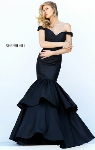 Double Layered Fish Tail Gown In Silk