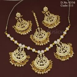 Female Ethnic Royal Antique Kundan Necklace Set