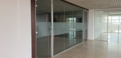 Plain Glass Cabin Partition