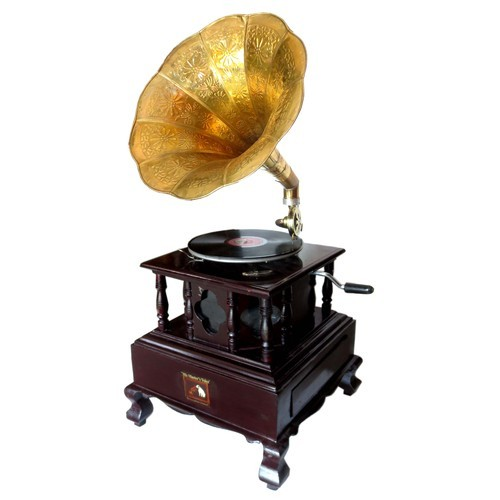 Wooden Gramophone & Machine