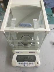 Laboratory Balance
