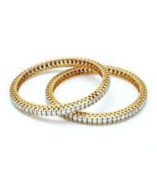 Single Line Women Diamond Bangle Pair