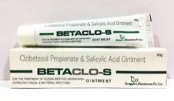 Clobetasol Propionate 0.05% Salicylic Acid 6% Ointment