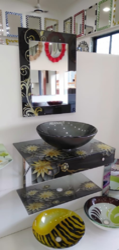 Lip Bowl Vanity