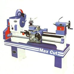 MD 212 Medium Duty Lathe