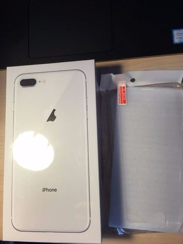 Black Apple IPhone 8 Silver