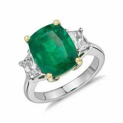 Center Emerald Silver Ring