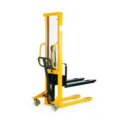 2Ton Hydraulic Stacker