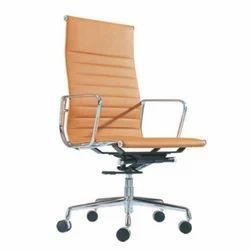 Armrest Brown Office Chair, Height: 4.5 feet