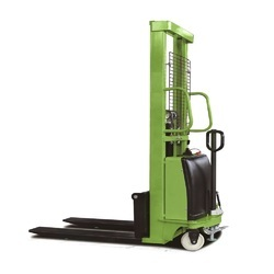 Beeco 1 Ton Electric Pallet Stacker
