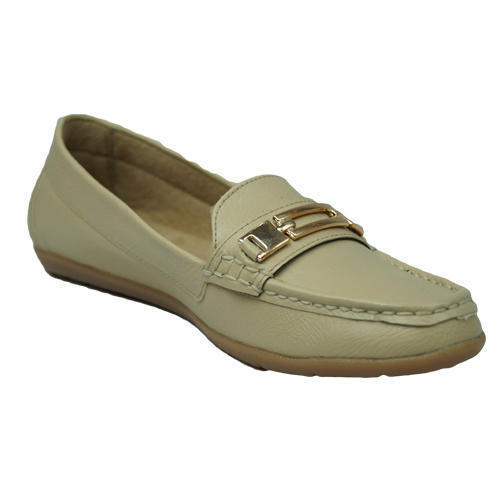 76b410e8ccc Ladies Trendy Leather Loafer Shoes