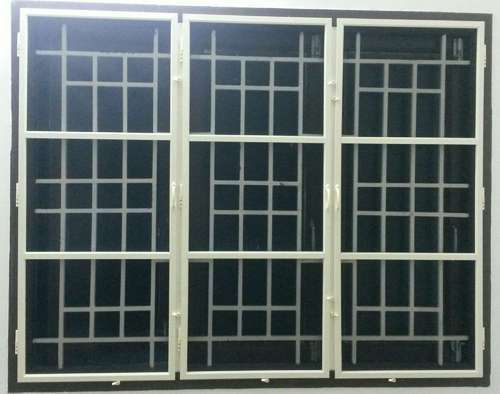 Hinged Fiberglass Mosquito Net Window, Shape: Rectangular, Packaging Type: Roll