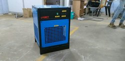 Desicant type air dryer