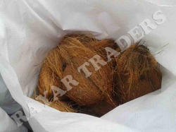 Rayar Traders 3-4 Straps Semi Husked Coconut