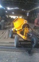 Diesel Engine 3 H.P. Mini Cement Concrete Mixers, for Construction, Output Capacity: 480 Liters