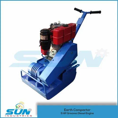 5 HP Earth Compactor