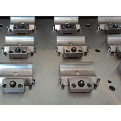 Stainless Steel Standard CNC Fixture, Packaging Type: Box