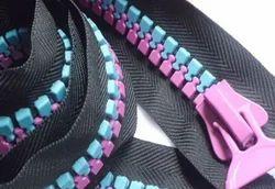 No.15 Plastic Zippers