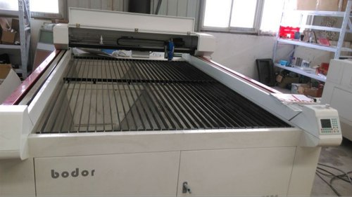 CO2 Laser Cutting & Engraving Machine Exporter from Pune