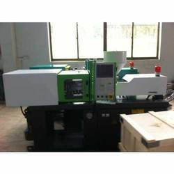Force Mini Plastic Injection Molding Machine, Model No : 32T
