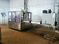 Mineral Water Bottle Filling Machine (Capacity: 6000 - 8000 Bottles/hr)