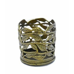 Golden Brass Leaf Shape Pen Holder Stand, For Decorative, Size: 3 Inchx3.25 Inch