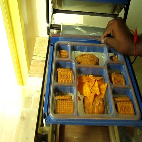 Plastic 5 Portion Meal Trays, Navyug Paper Products | ID
